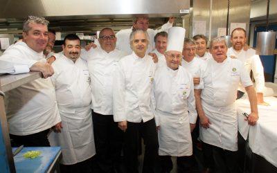 Les Maîtres Cuisiniers sont déjà aux fourneauxpour préparer le dîner caritatif du gala de la Croix-Rouge de Marseille!